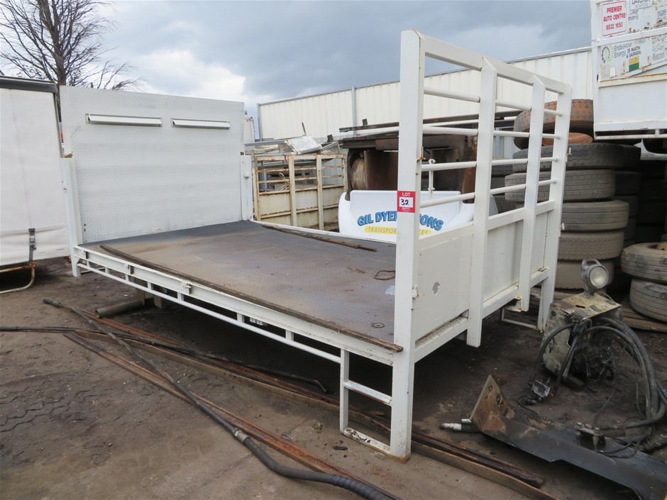 Tray Truck Body with Hydraulic Tail Gate