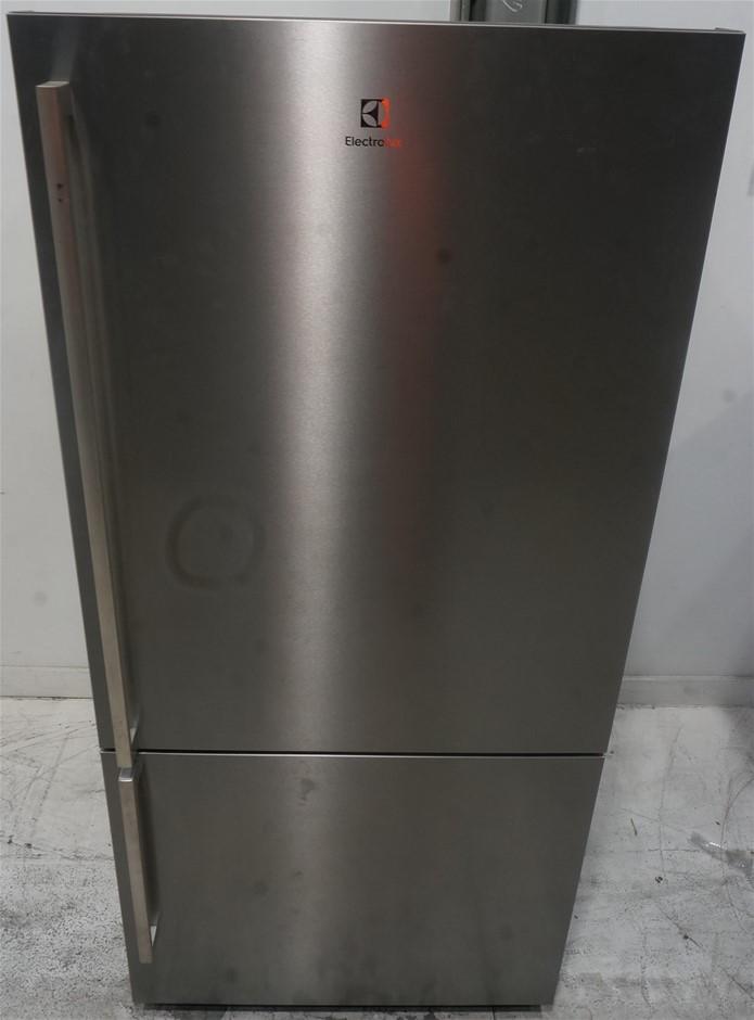 Electrolux 528L Bottom Mount Fridge (EBE5307SA-R)