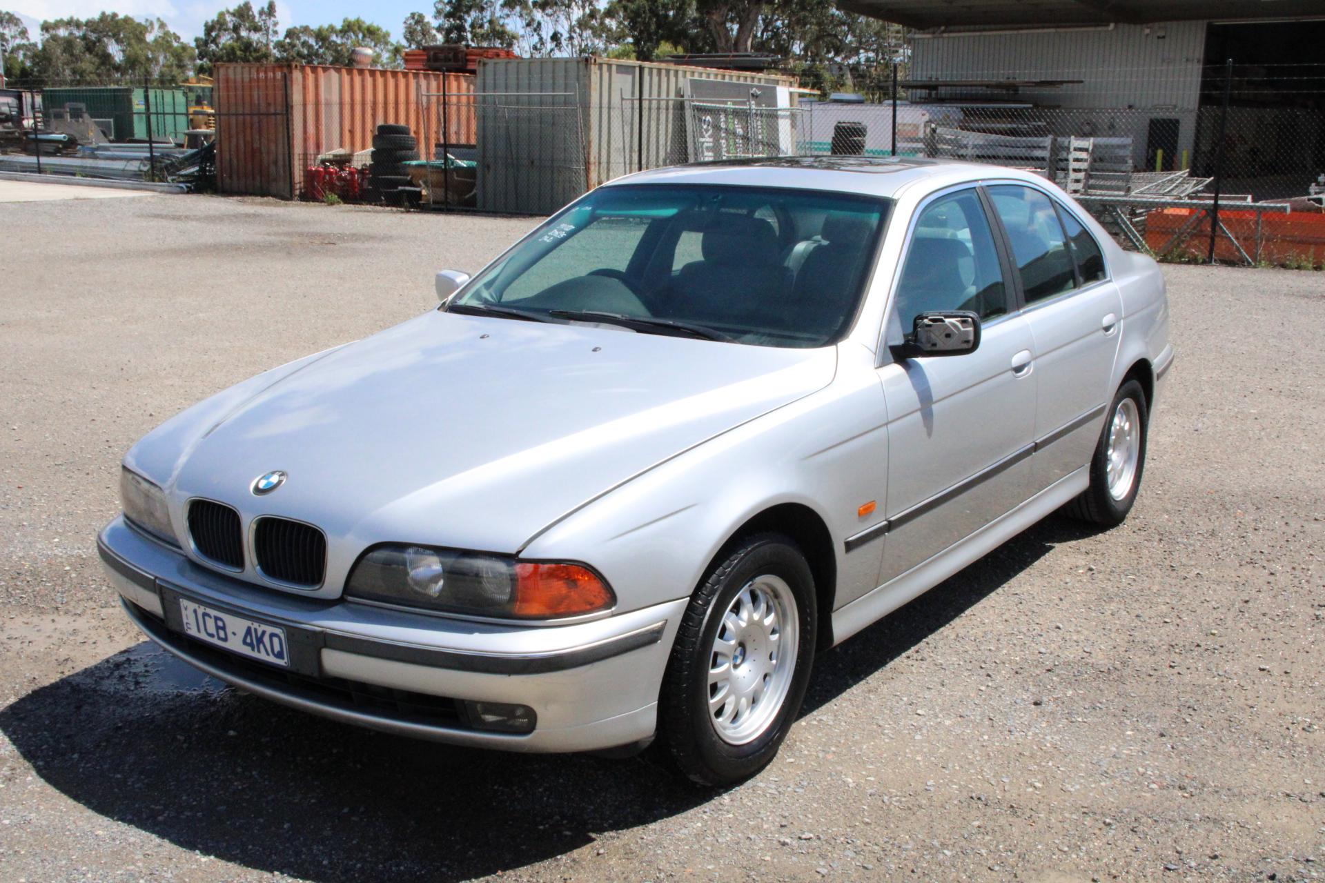 2000 BMW 5 23i E39 Automatic Sedan