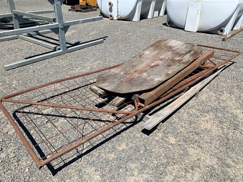 Pallet of Assorted Posts and Gate