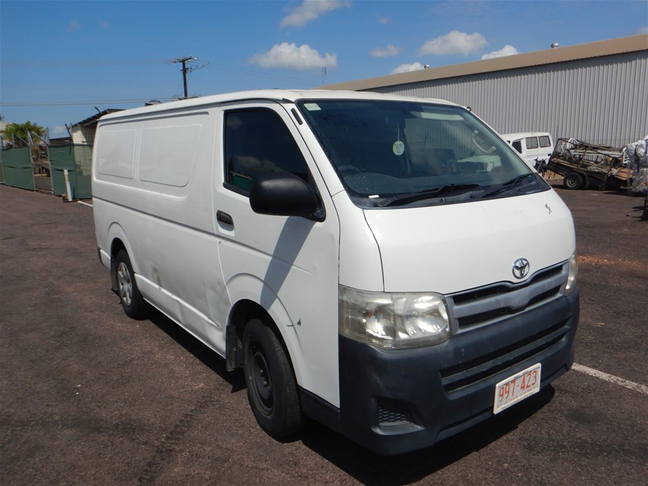 2011 Toyota Hiace RWD Automatic - 4 Speed Van