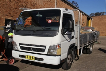 2009 Mitsubishi Canter Fuso Table Top Truck