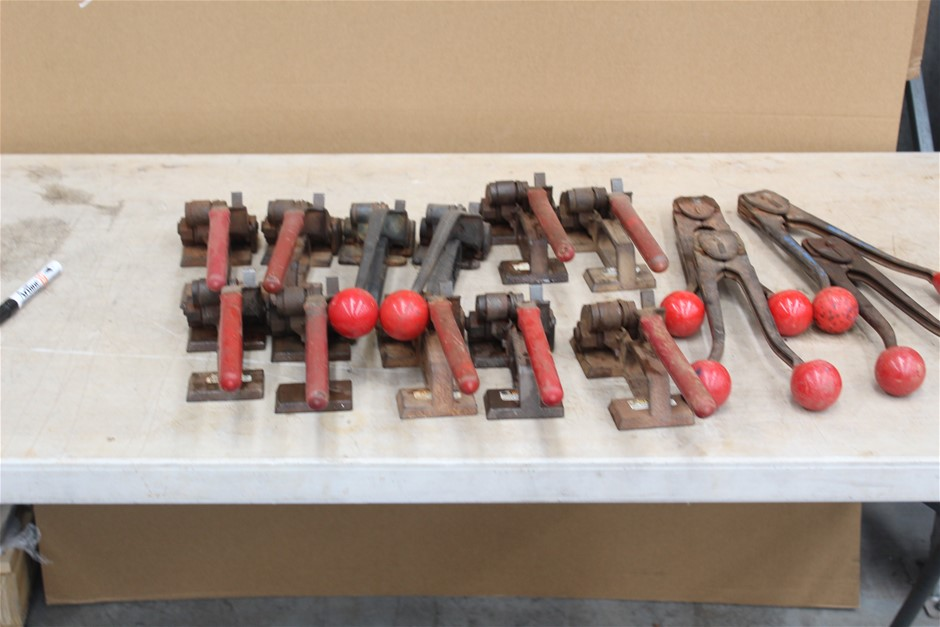 Quantity of Metal Strapping Tools