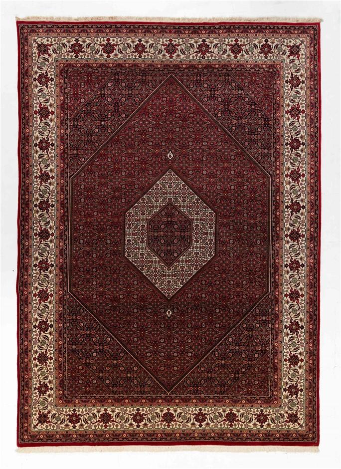 Persian Bidjar Hand Knotted Pure Wool Pile Size (cm): 248 x 343