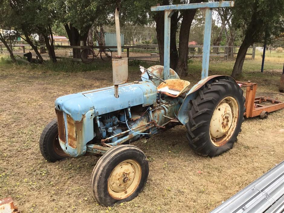 Circa 1960 Fordson Dexta 2WD Diesel Tractor