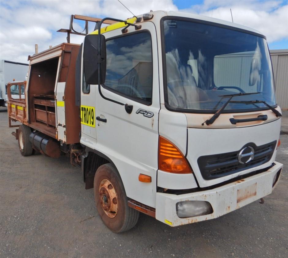 2005 Hino FD1J 4x2 Service Truck (Pooraka, SA)