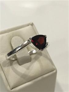 Brilliant 2.00ct Garnet Ring. Size T 1/2