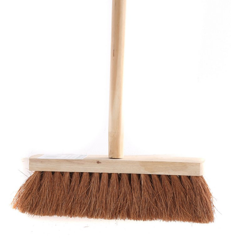 COTSWORLD Natural Coco Broom 300mm c/w Handle. (SN:CW4075) (268035-47)