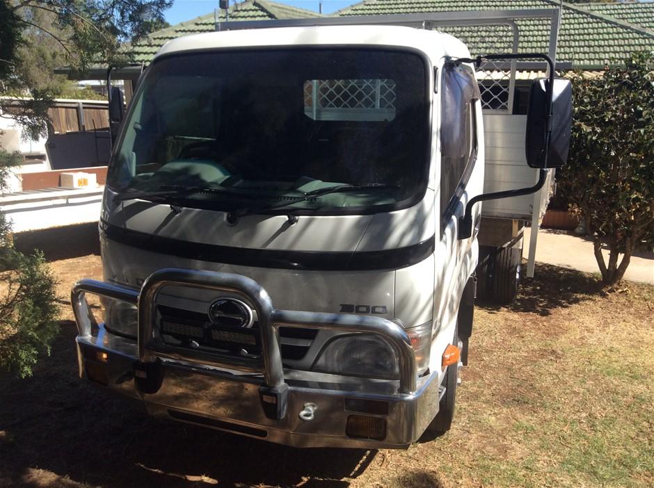 2008 Hino 300 Turbo Diesel 6 x 2 Tipper Truck