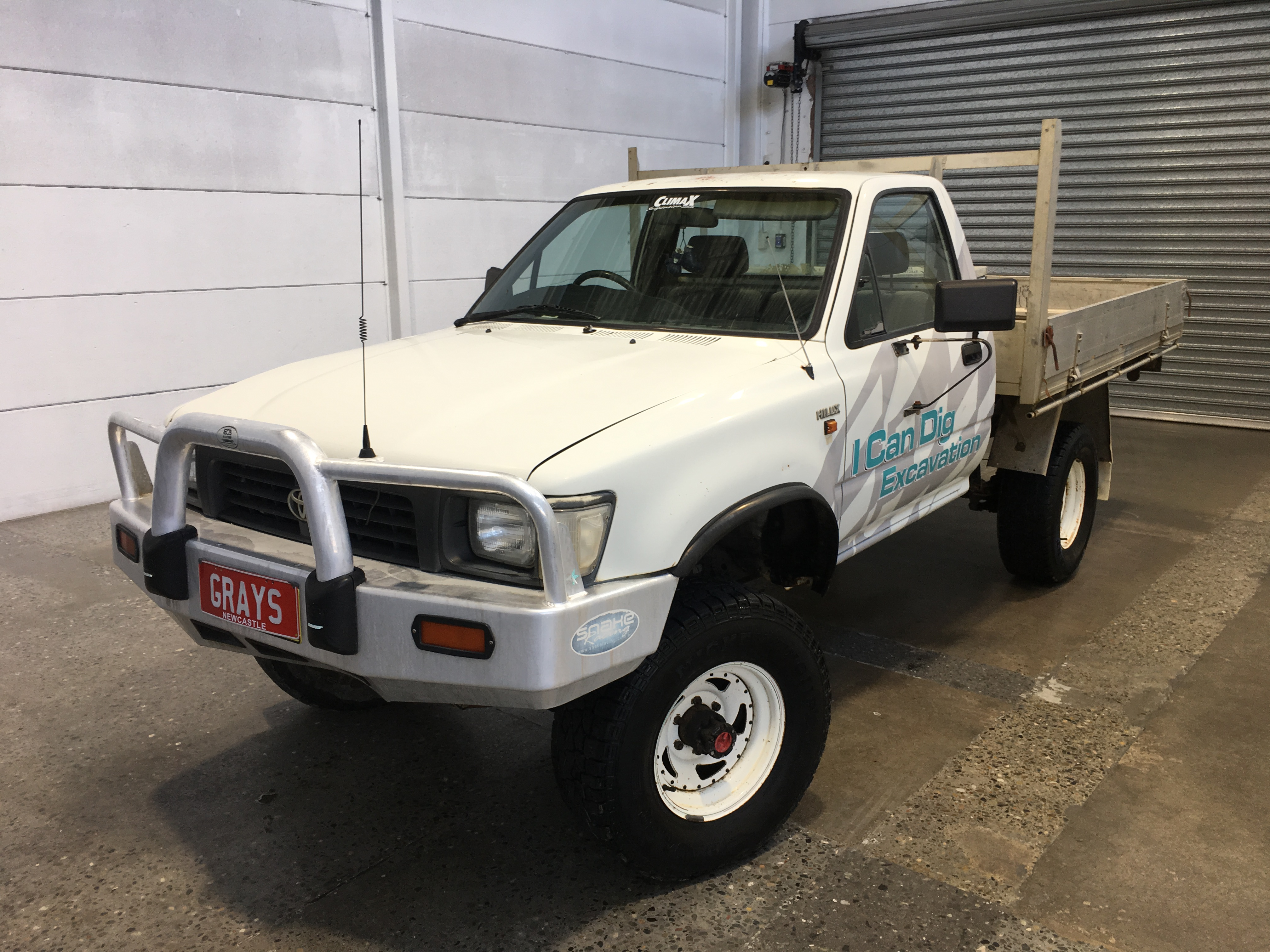 1995 Toyota Hilux (4x4) Manual Cab Chassis
