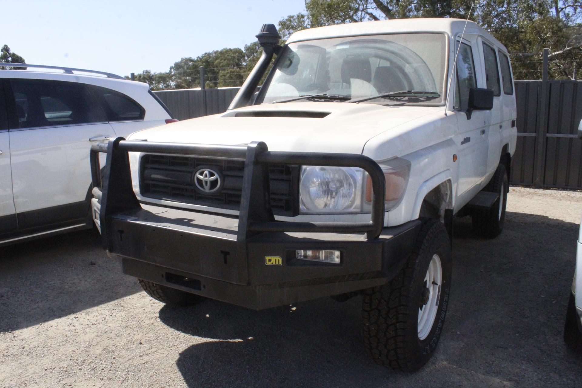 2013 Toyota Landcruiser Workmate (4x4) VDJ78R Turbo Diesel Manual Wagon