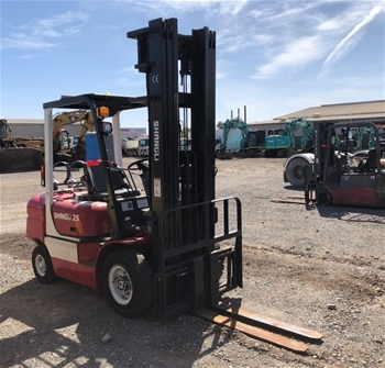 Shangli CP0YD25 4 Wheel Counterbalance Forklift