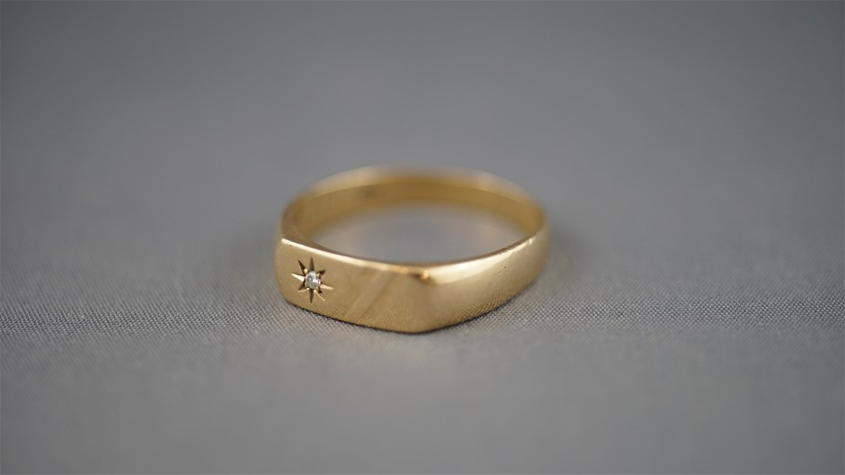 Stamped 9ct Yellow Gold Signet Ring