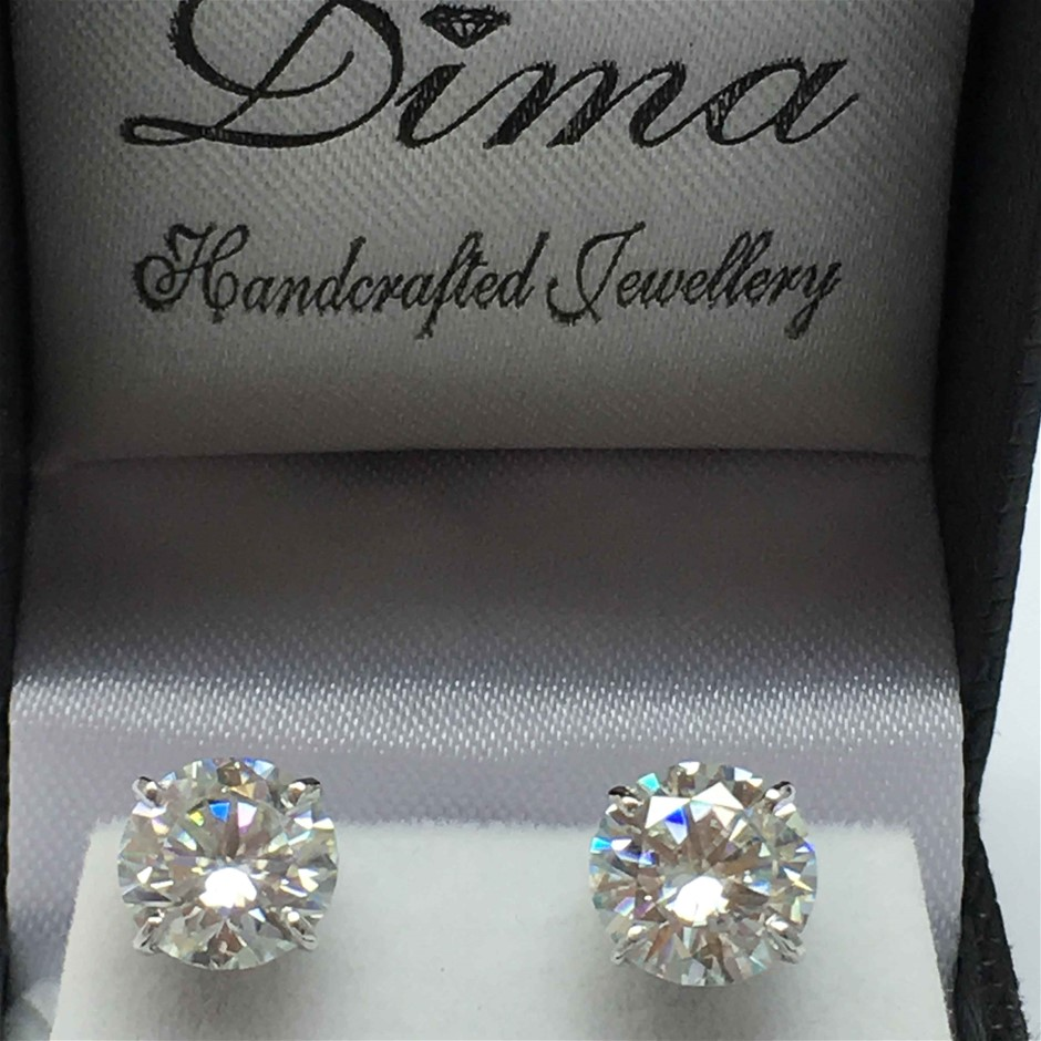 18ct White Gold, 4.46ct Moissanite Earring