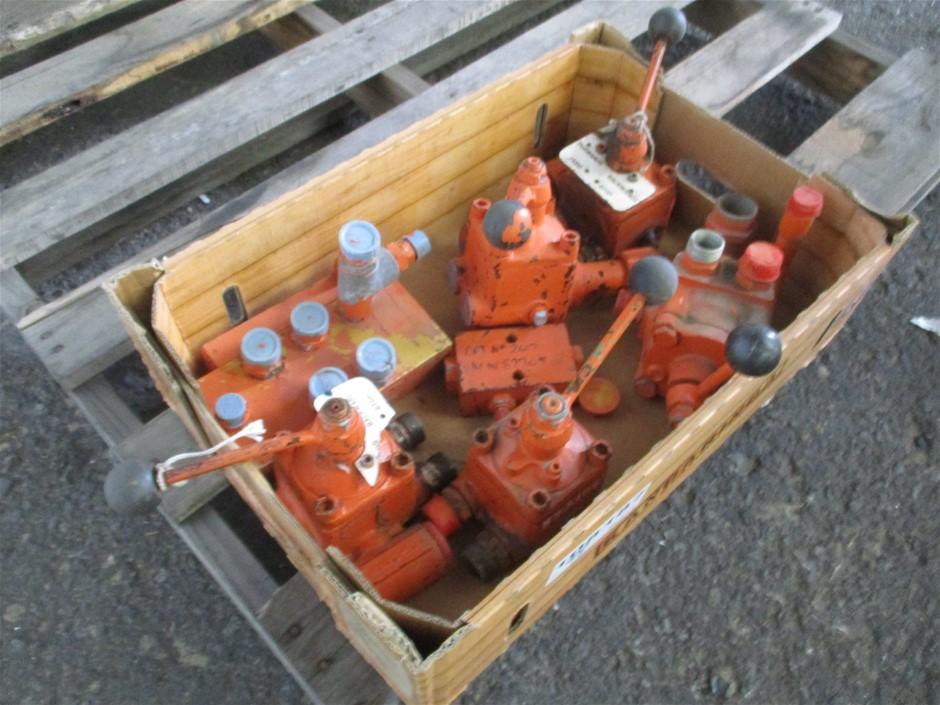5 x Tampela Hydraulic Controls