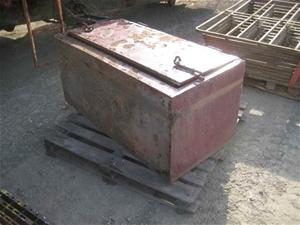 Semi-trailer Tool Box