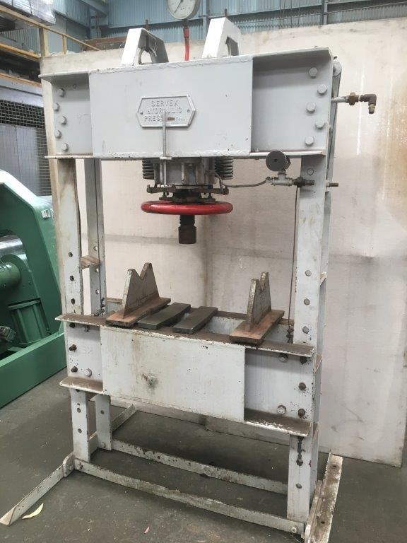 Hydraulic Workshop Press Servex 100 ton with Power pack and vee block etc