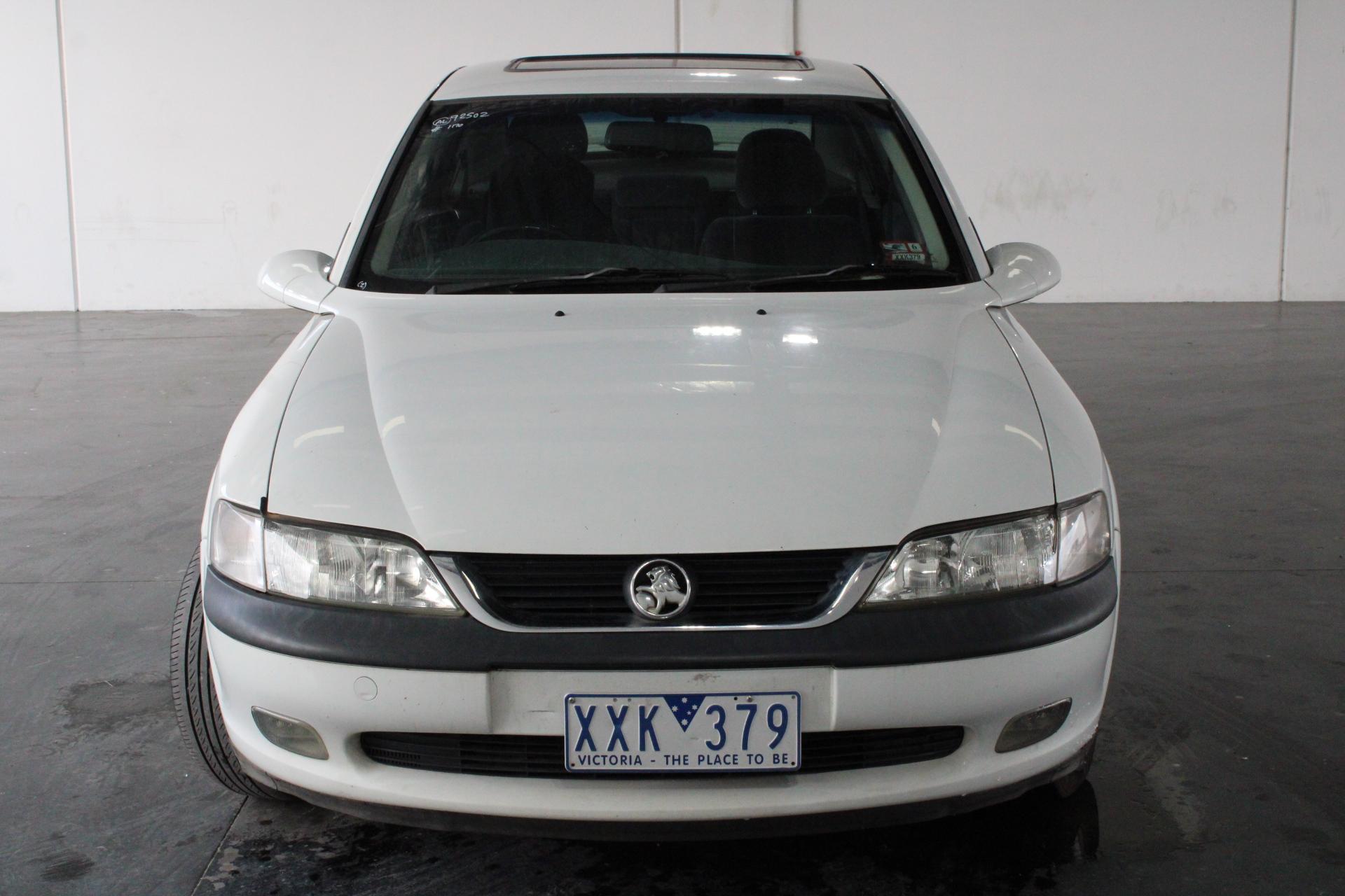1999 Holden Vectra CD JS Manual Sedan