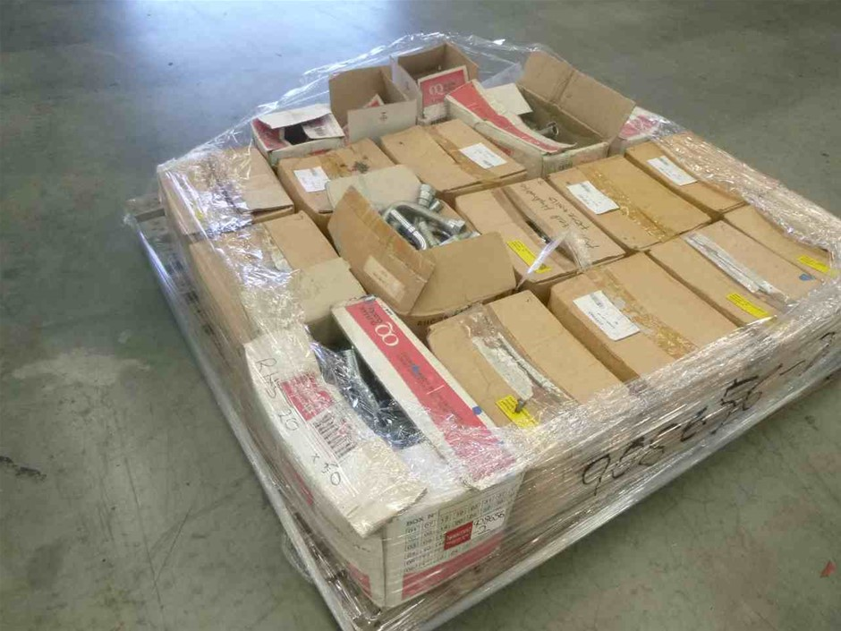 Pallet of Hydraulic Hose Connectors