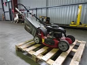 Toro 20897 Self-Propelled Lawn Mower (Po