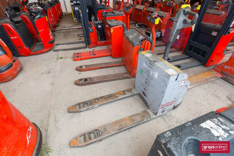 2011 2.0 Tonne Nissan PLL200 Ride On Pallet Mover Year: 2011</l