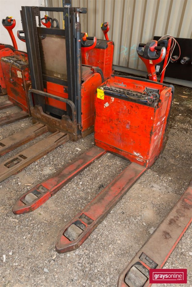 Unknown 1.8 Tonne Linde T18 Electric Pallet Truck Year: Unknown