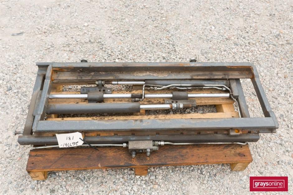Forklift Frame Model: 1562990101TF Size: (W)1080mm (H)500m