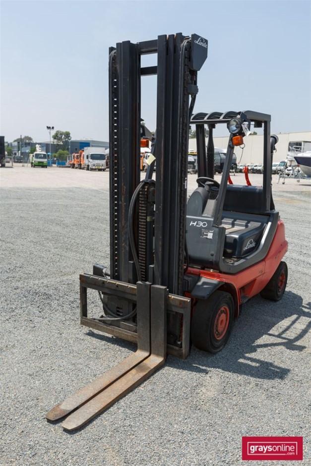 2008 3.0 Tonne Linde H30T-04 4 Wheel Counter Balance Forklift