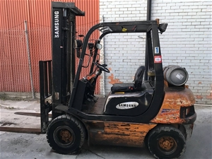 Samsung Forklift, 2500mm mast, working c