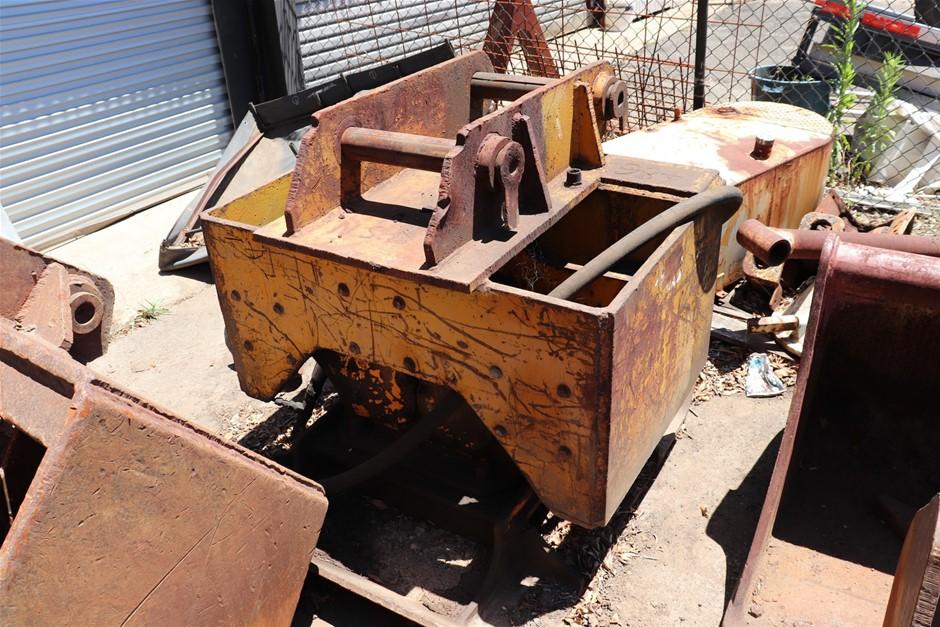 Excavator Attachment: Concrete Pulveriser
