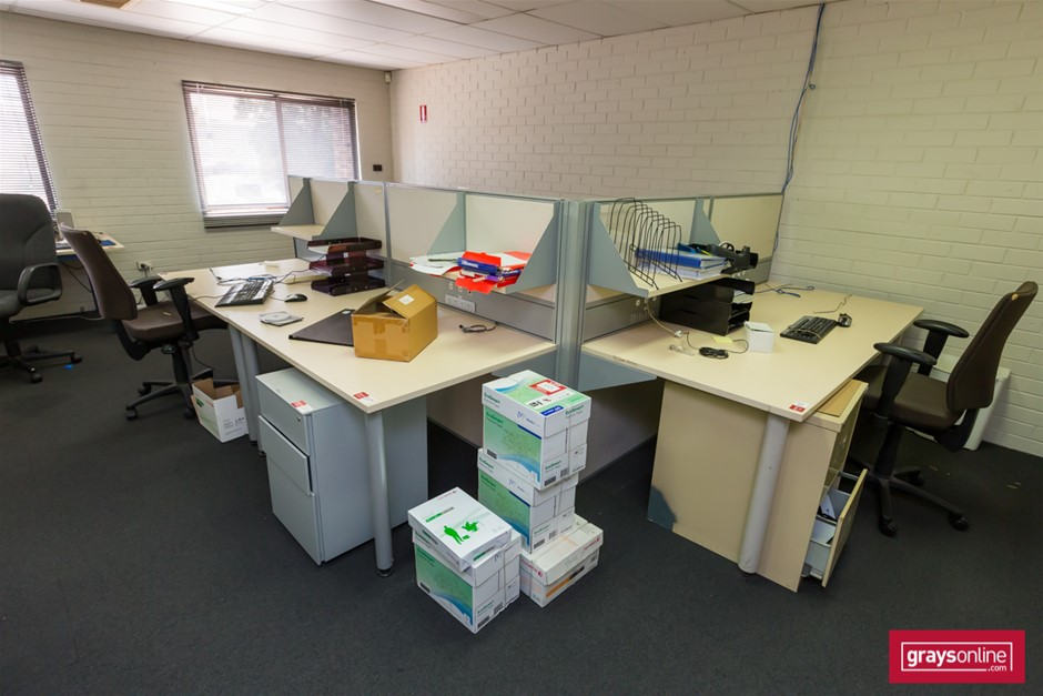 Around the Corner Office Desk Suite with Partitions