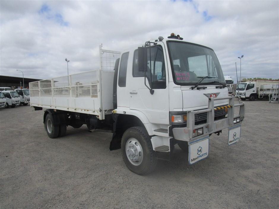 1995 Hino 4 x 4 Truck