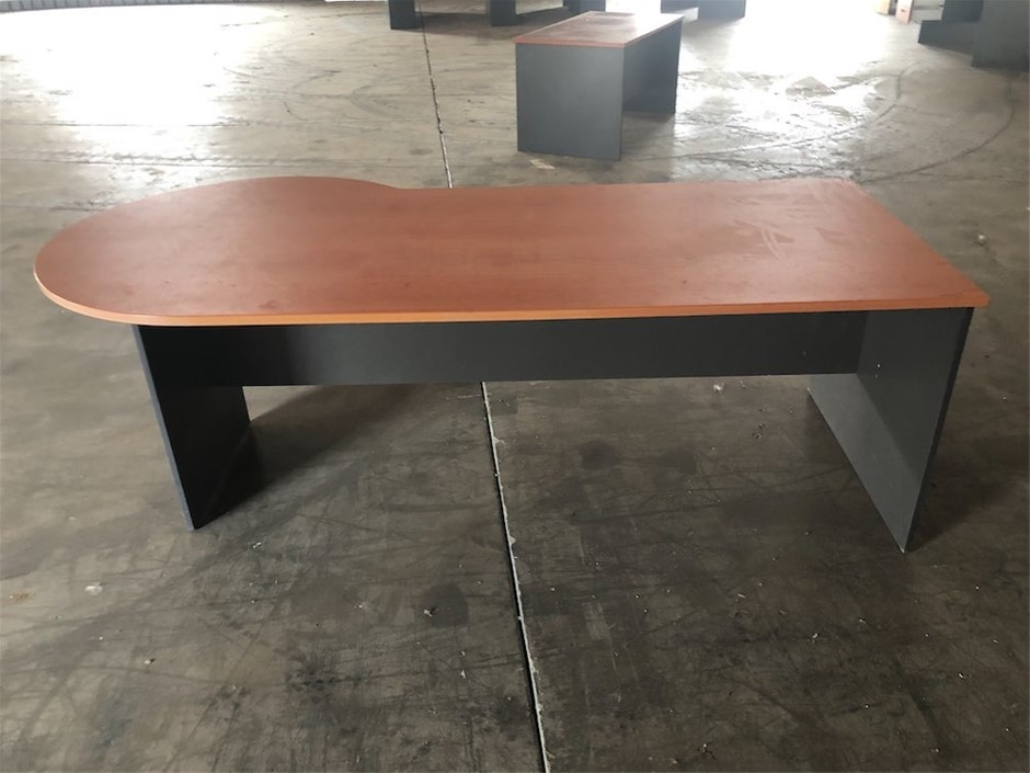 Large Office Desk with Rounded End