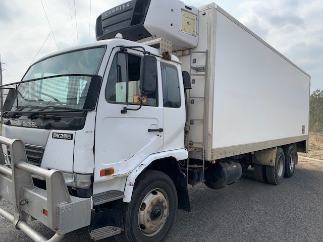 2003 Nissan 40 PK265 6 x 2 Refrigerated Body Truck