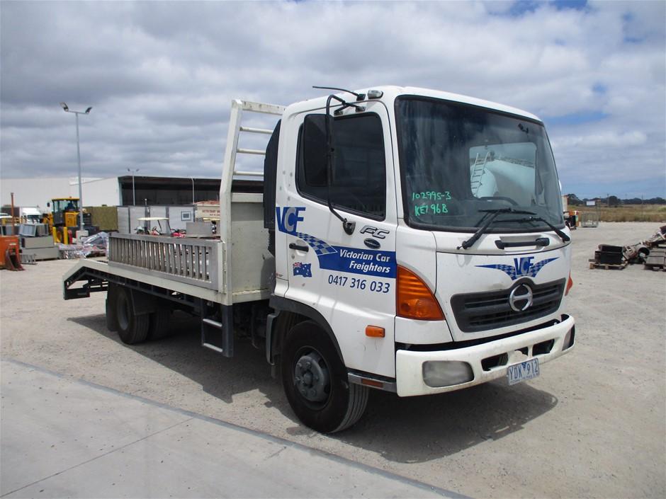 2006 Hino FC 4 x 2 Car Carrier Truck