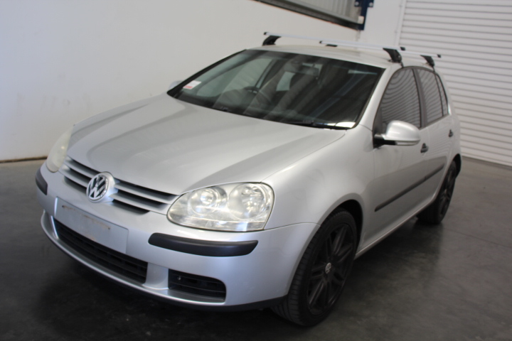 2005 Volkswagen Golf 2.0 FSI Comfortline Hatchback