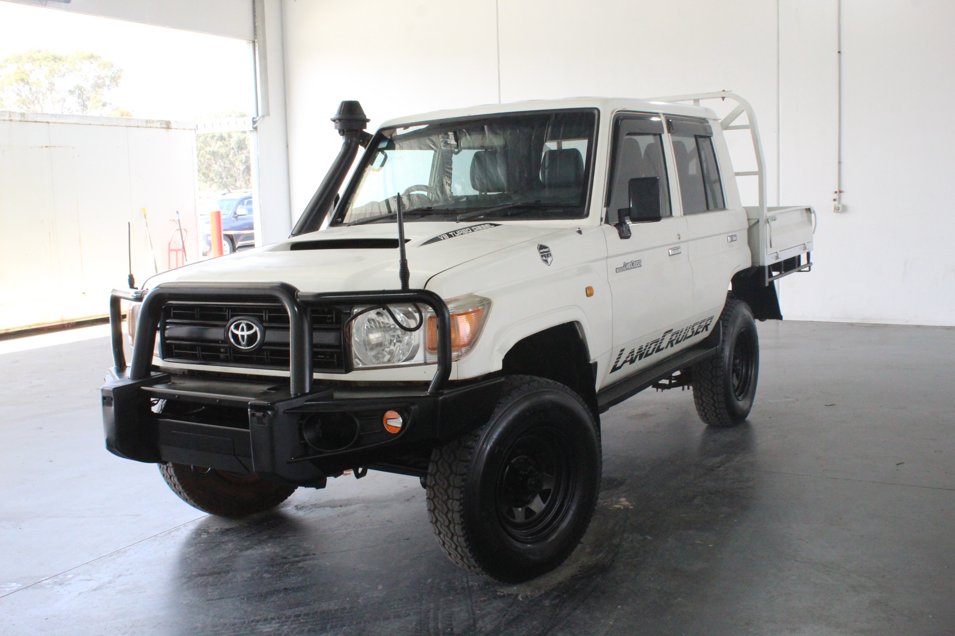 2011 Toyota Landcruiser Workmate (4x4) VDJ76R Turbo Diesel Manual Wagon