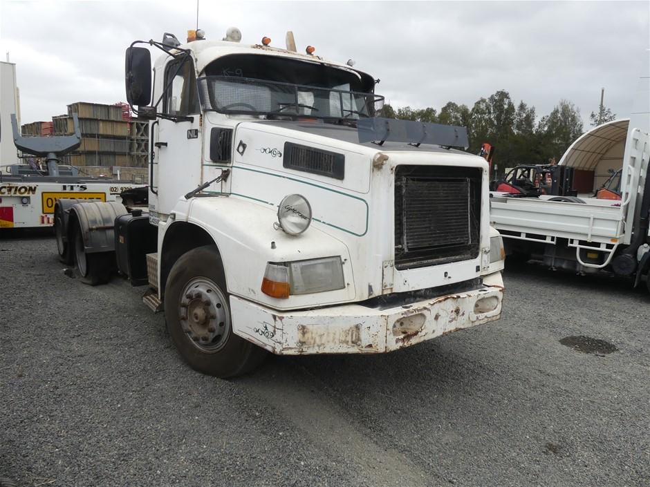 1995 Volvo NL12 6 x 4 Prime Mover Truck