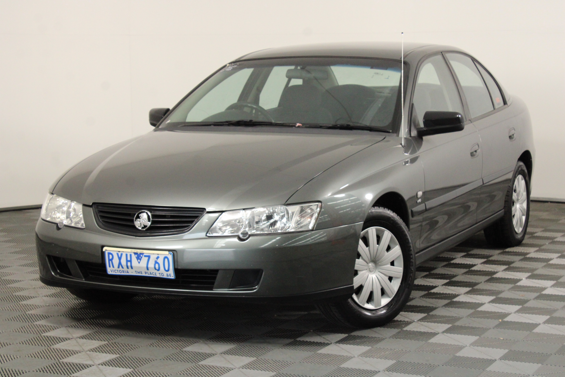 2002 Holden Commodore Executive Y Series Automatic Sedan