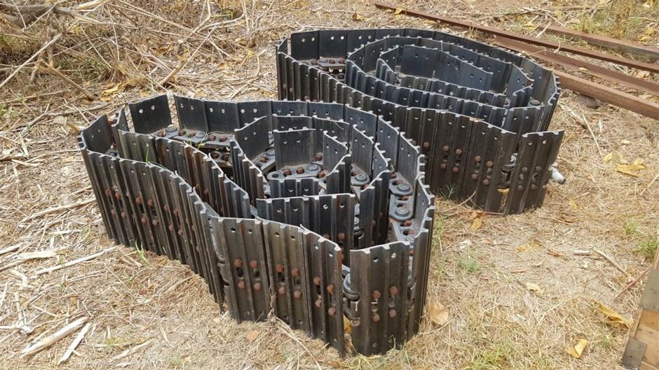 Steel Track Groups to Suit Sumitomo or Case Excavator