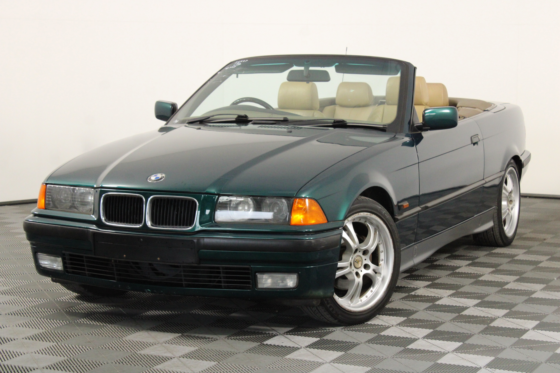 1995 BMW 325i Automatic Convertible