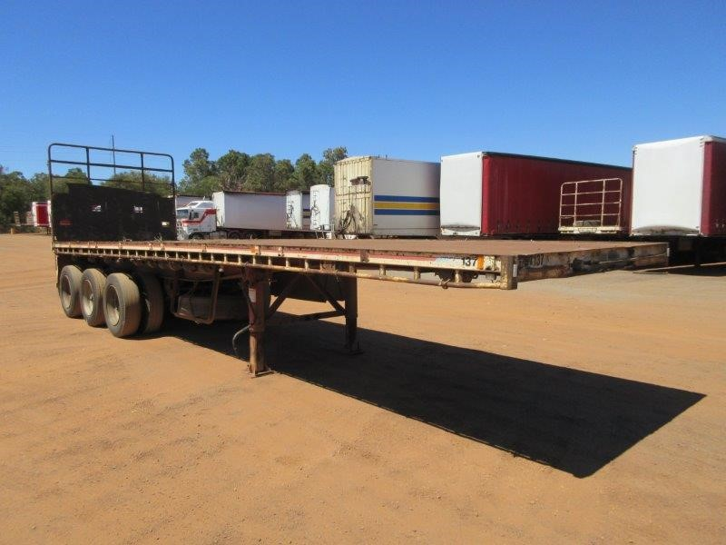 1998 Freighter 33Ft ST3 Triaxle Flat Top Trailer
