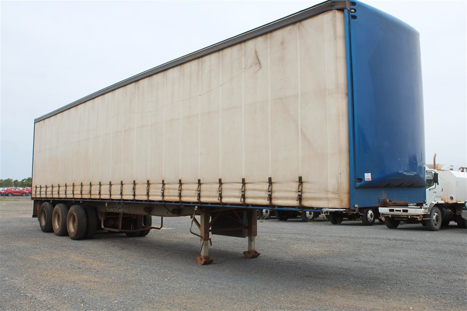 2013 Freight Maxitran Triaxle Curtainsider Trailer