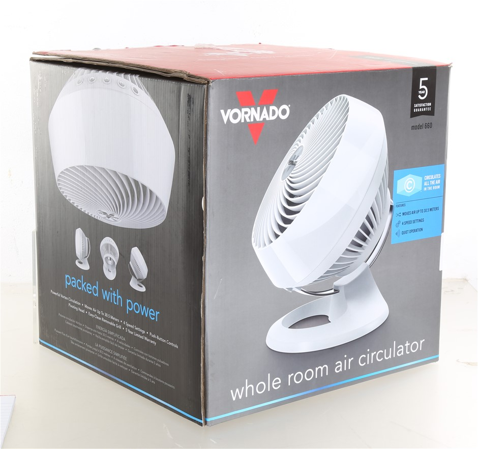 VORNADO Whole Room Air Circulator, Model 660, White. (SN:CC31929) (268746-7