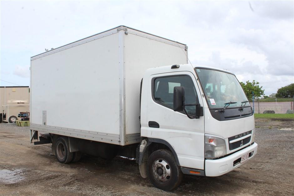 2010 Mitsubishi Canter 4 x 2 Pantech Truck