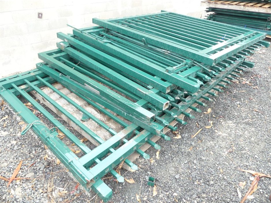 1 X Pallet of Assorted Used Building Supplies