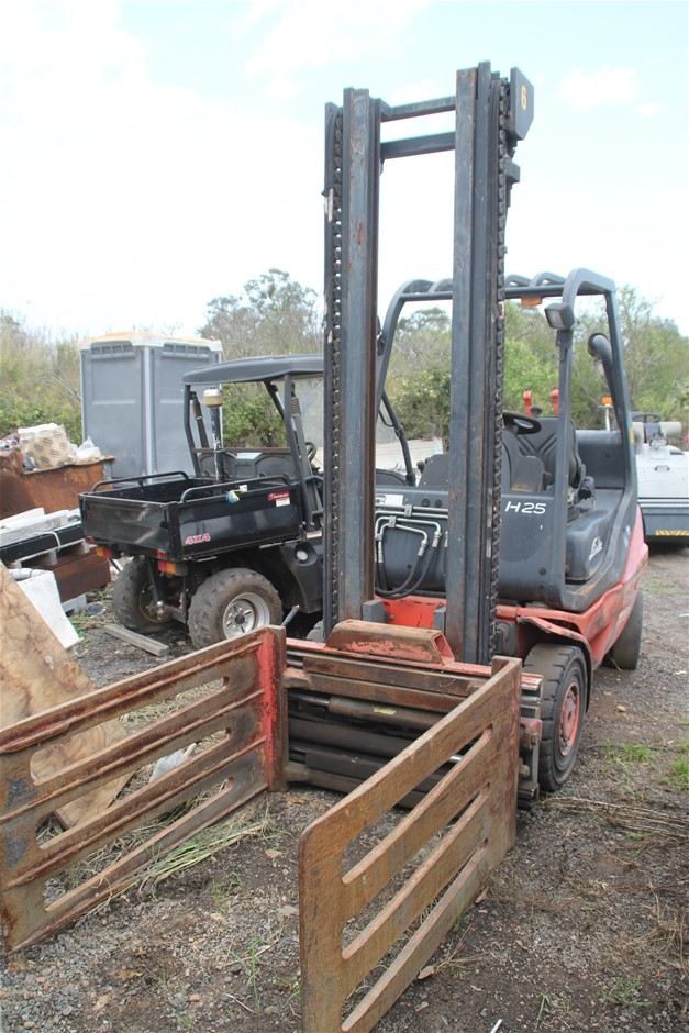 Linde 4 Wheel Counter Balance Forklift