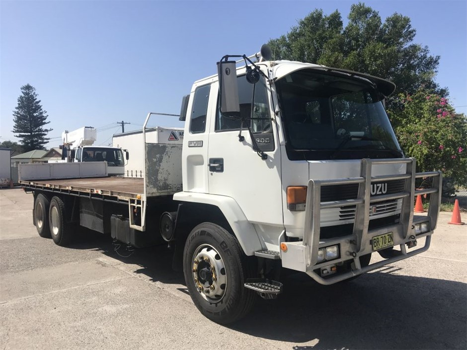 1993 ISUZU Flat Top Heavy Rigid Truck Fitted with Container Locking Pins