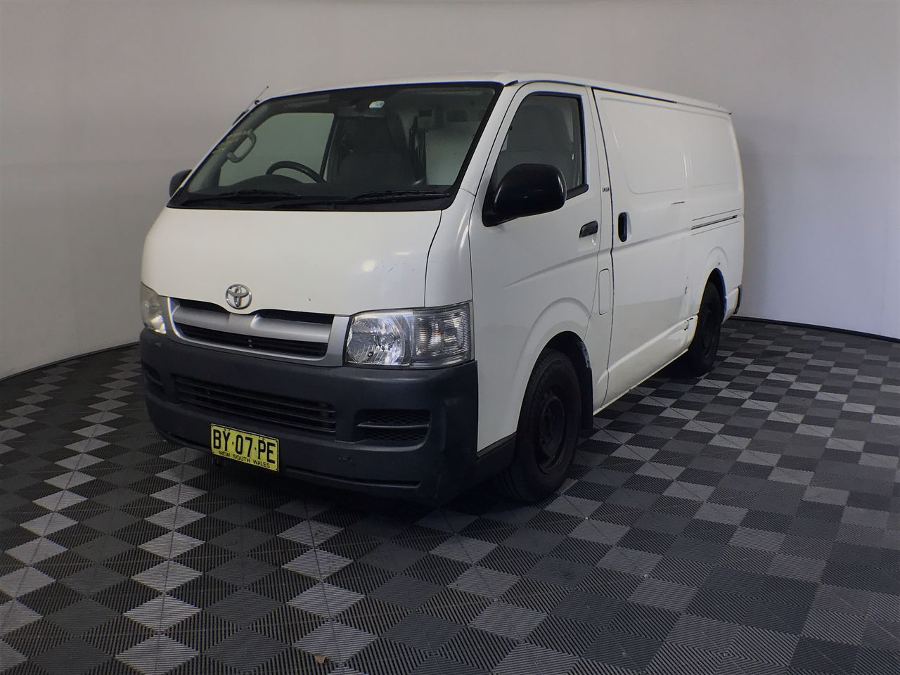 2007 Toyota Hiace LWB KDH201R Turbo Diesel Manual Van