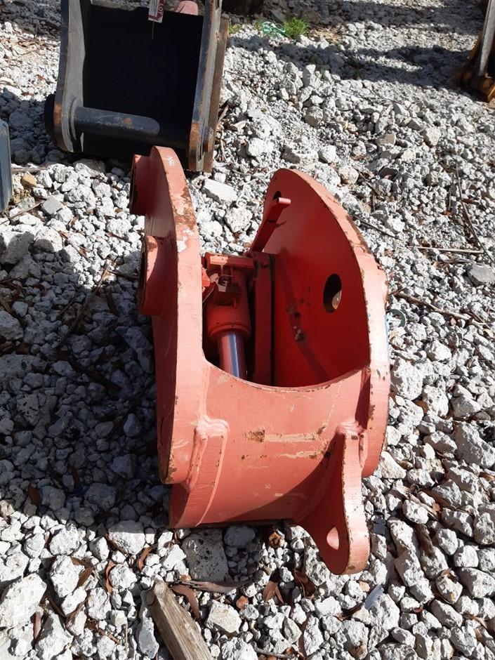 Double Lock hydraulic quick hitch, unused